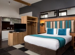 Roomzzz Manchester City